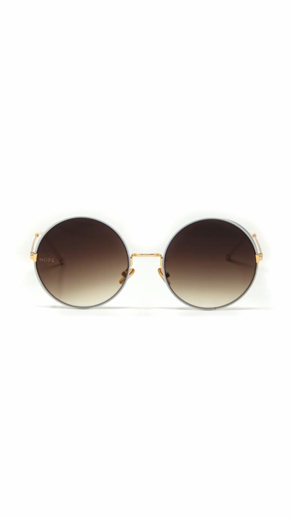 EOS white - sunglasses, chain & leather case 2