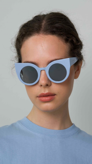 CURIOUS Baby Blue frame + Mirrored lenses 1
