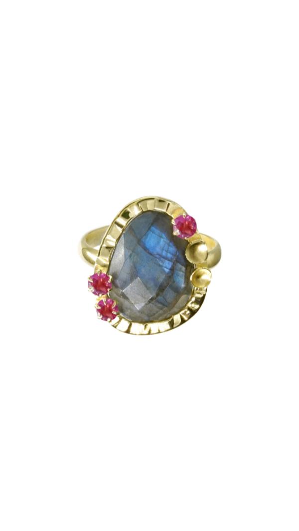 18k Gold Labradorite, Pink Garnet Ring 1