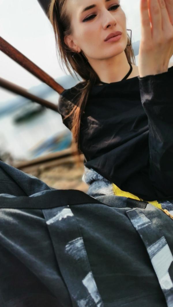 yellow zipper pants 1