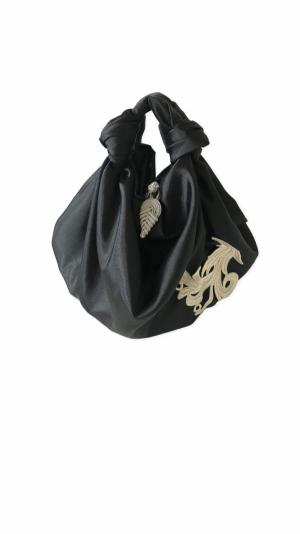 Raven embroidered bag 1