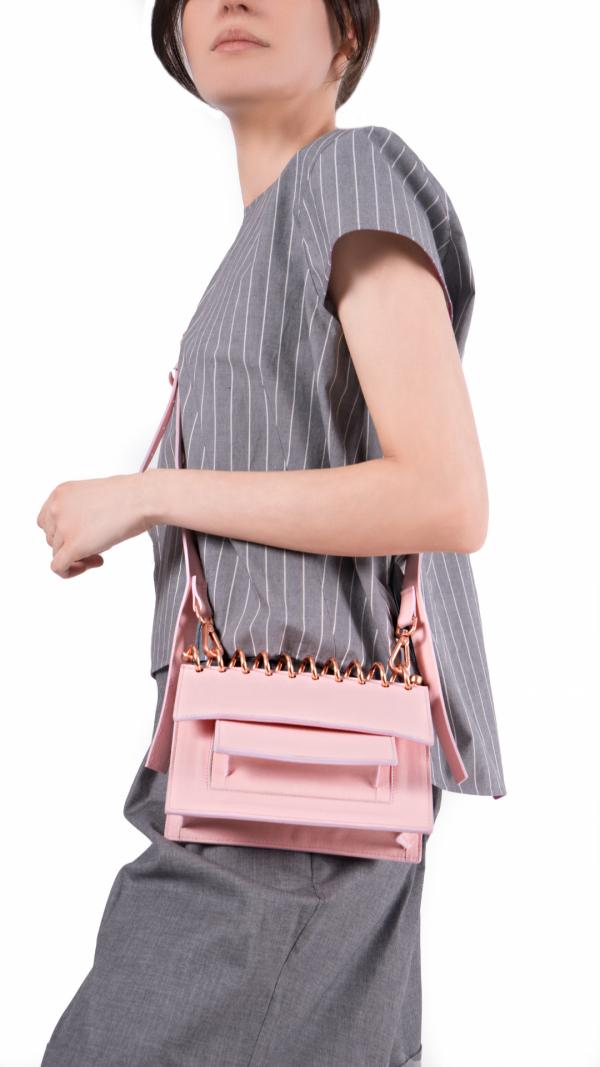 small_crossbody_leather_bag_whisper_rosa_3
