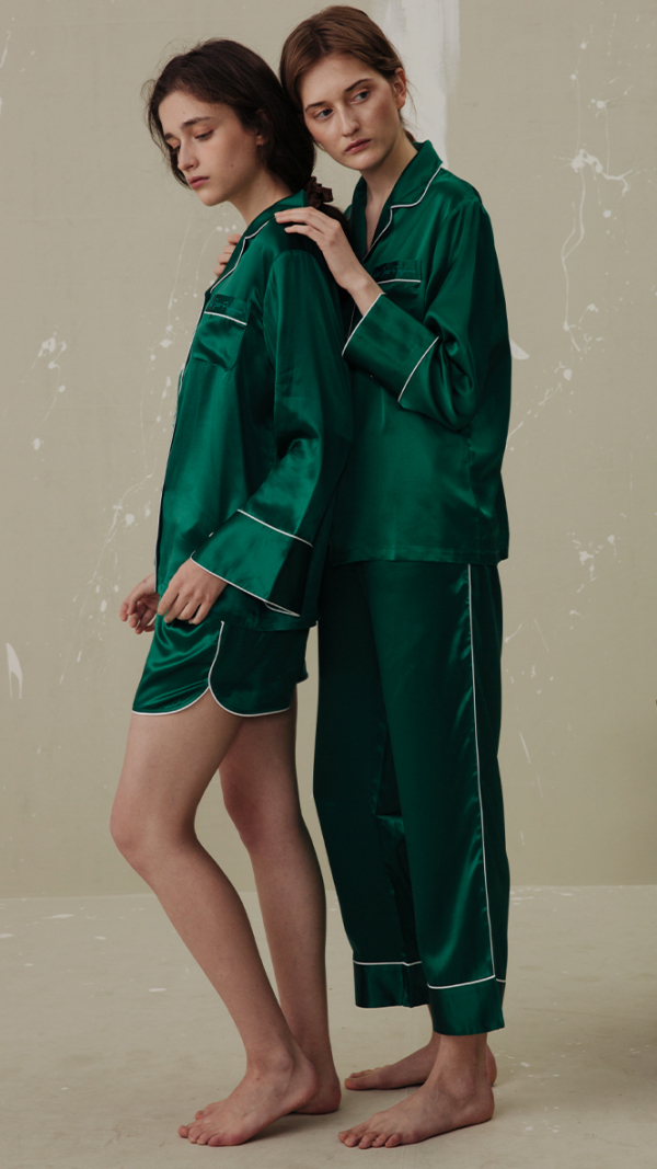 women_classic_silk_pajamas_set_3_piece_green_1