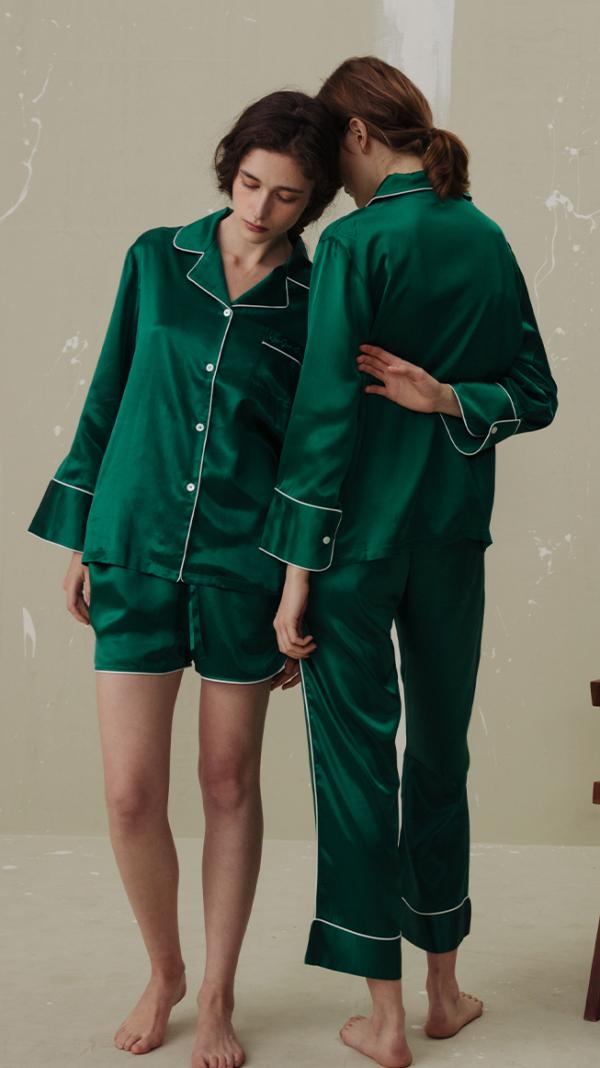 women_classic_silk_pajamas_set_3_piece_green_2