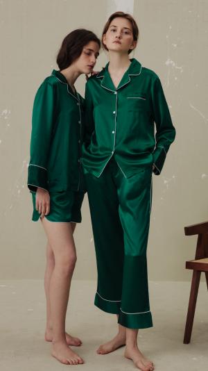 Women Classic Silk Pajamas Set (3-Piece) - Green 1