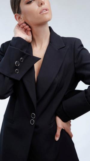 Black DV Suit 1