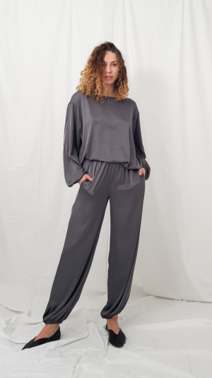 Lounge pants in gray 2