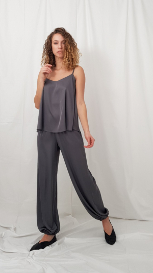 Lounge pants in gray 1