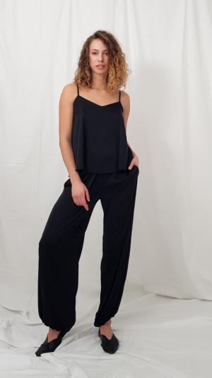 Lounge pants in black 2