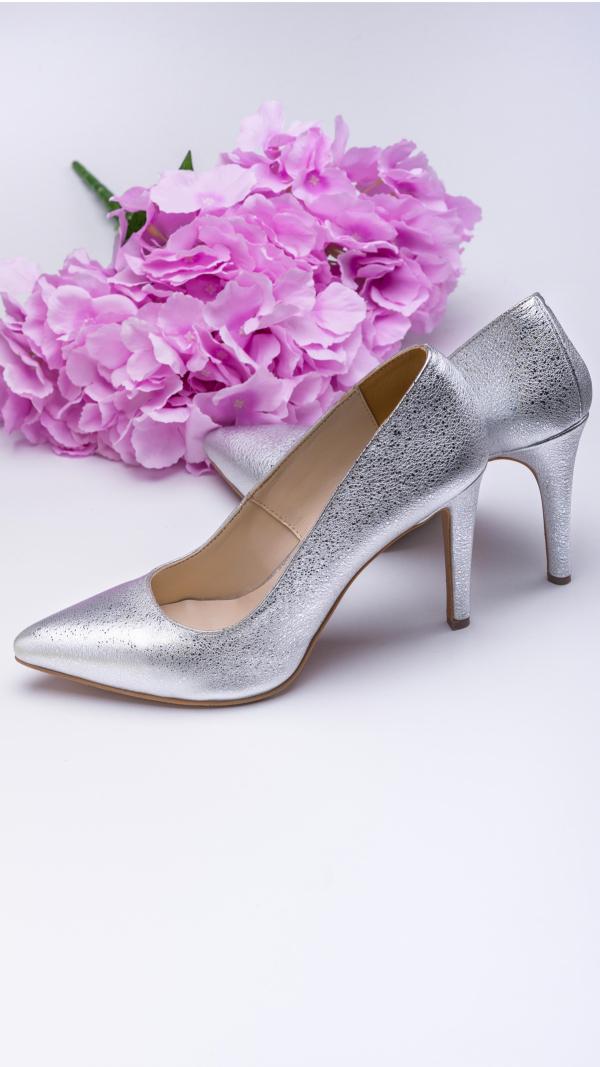 silver_high_heels_3