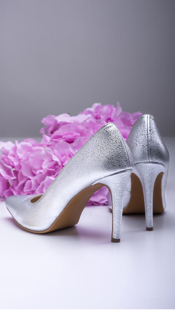 silver_high_heels_4