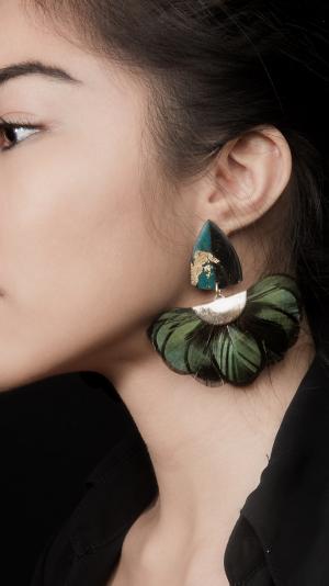 Venus Earrings with Peacock Fan 1