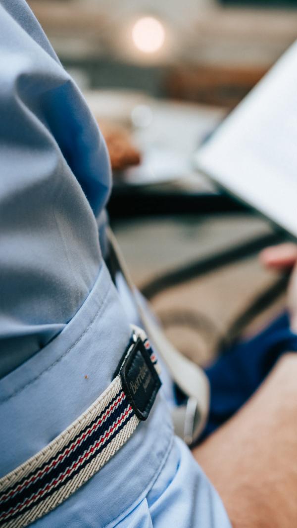 Borrdoo sleeve garters beige navy 1