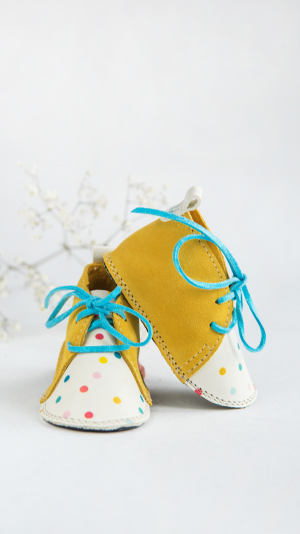 Yellow candy 1