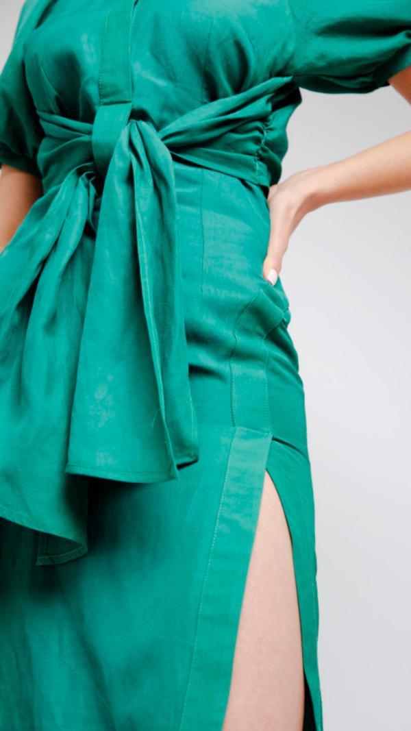 green_dv_dress_2
