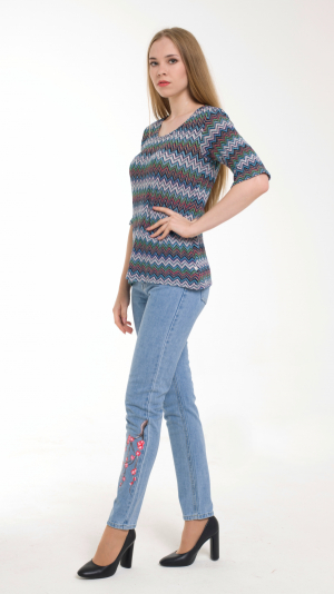 Multicolor Knitted Sweater With 3/4 sleeves 2
