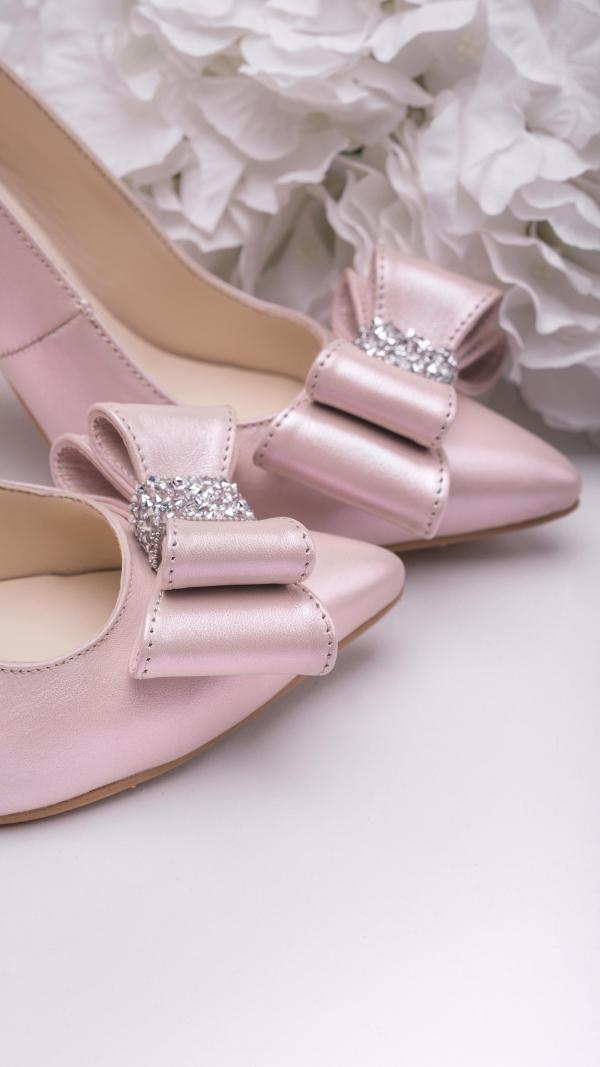 metallic_pink_high_heels_2