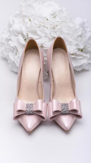 Metallic pink high heels 1